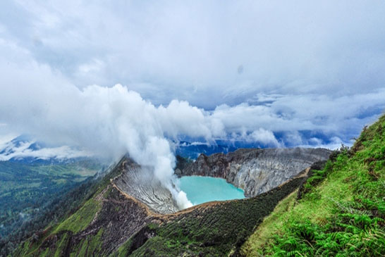Tempat-Wisata-Kawah-Ijen-Jawa-Timur-2