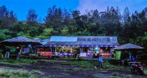 Warung Bu Im, tempat singgah favorit para pendaki wisata Kawah Ijen, Banyuwangi