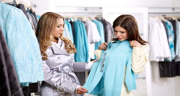 Ilustrasi wisata belanja dalam memilih dan tawar menawar barang seperti pakaian (foto : www.dreamstime.com)