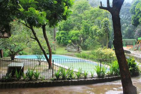 Ilustrasi kolam pemandian air panas Maribaya Bandung (foto : indonesiakaya.com)