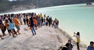 Wisata-Kawah-Putih-Ciwidey-Bandung
