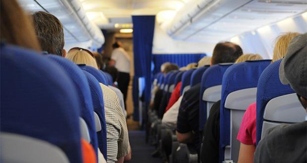 cara-mengatasi-takut-phobia-naik-pesawat