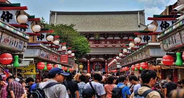 Tempat wisata Asakusa di Tokyo, Jepang (foto : en.wikipedia.org)