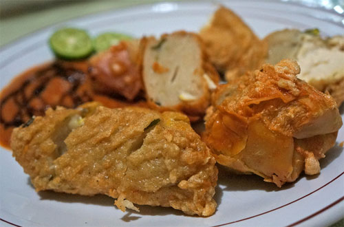 Ilustrasi Batagor Riri, kuliner khas Bandung yang murah meriah, legendaris, dan enak rasanya (foto : tokopedia.com)