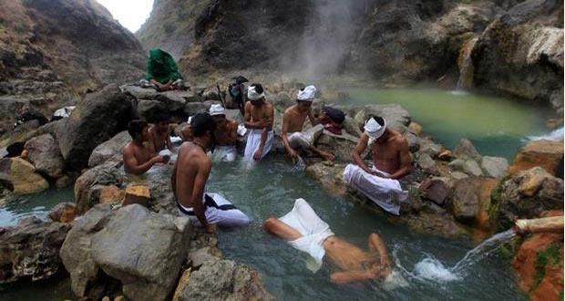 Ilustrasi tempat wisata pemandian air panas Goa Susu (foto : pedomanwisata.com)