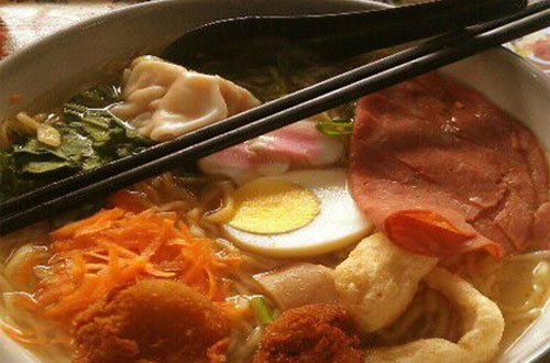 Ilustrasi Jigoku Ramen, salah satu kuliner khas Jepang di Bandung yang murah meriah dan enak rasanya (foto : foodspotting.com)