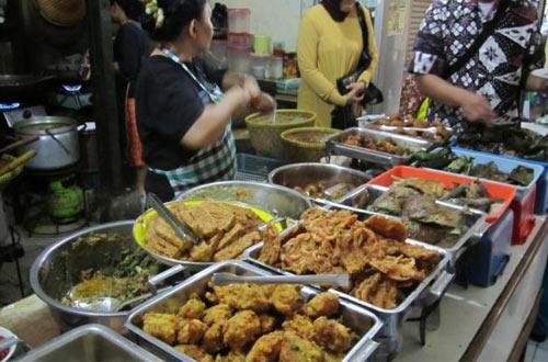 Ilustrasi menu warung Bu Eha, tempat makan murah di Bandung (foto : tribunnews.com)