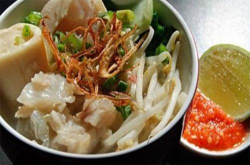 Ilustrasi Mie Kocok Mang Dadeng, salah satu kuliner khas Bandung yang murah meriah dan enak rasanya (foto : ceritaperut.com)