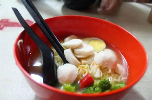 Ilustrasi Mie Reman, salah satu kuliner Bandung yang murah meriah dan enak rasanya (foto : kuliner-kuliner-bandung.blogspot.com)