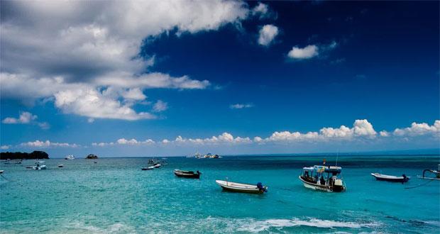 Ilustrasi pantai di Nusa Penida, salah satu tempat wisata terbaik di Bali untuk menyendiri (foto : mantamae.com)