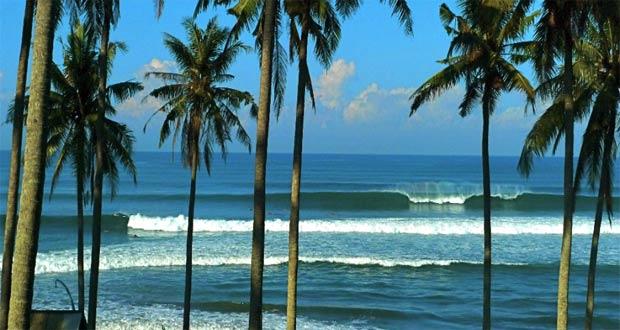 Ilustrasi pantai Balian, salah satu tempat wisata terbaik di Bali untuk selancar (foto : surferliving.com)