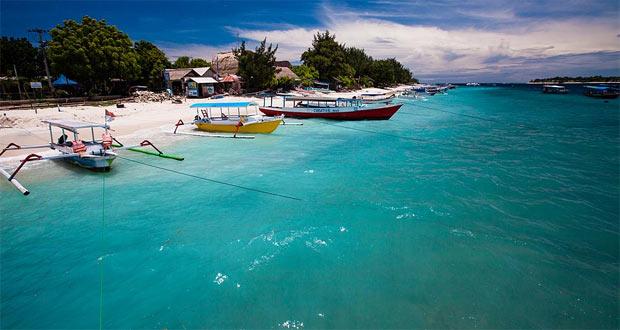 Ilustrasi pantai Gili Trawangan Lombok, salah satu tempat wisata di Indonesia favorit anak muda (foto : tommyschultz.com)