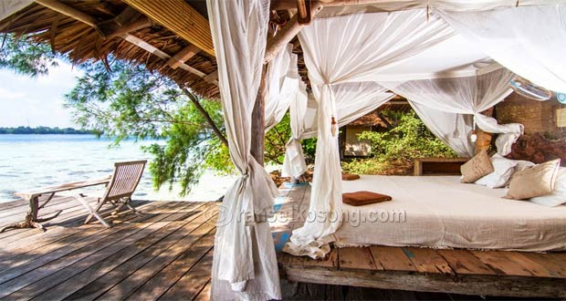 Ilustrasi kamar terbuka yang romantis Pulau Macan, salah satu tempat bulan madu yang romantis di Kepulauan Seribu (foto : ranselkosong.com)