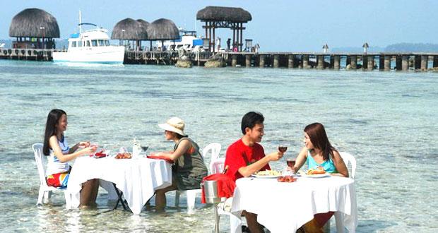 Ilusstrasi tempat makan romantis Pulau Pantara, Kepulauan Seribu, salah satu tempat honeymoon di Indonesia yang romantis (foto : wisatapulauseribu.com)