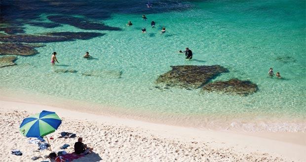 Tempat Wisata Rottnest Island Di Perth (foto : australiantraveller.com)