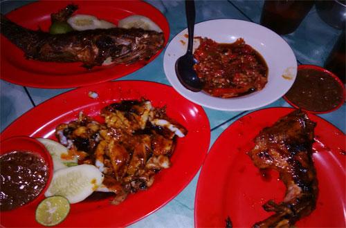 Ilustrasi SKA Dapur Laut, salah satu kuliner Bandung yang murah meriah dan enak (foto : ridwanderful.files.wordpress.com)