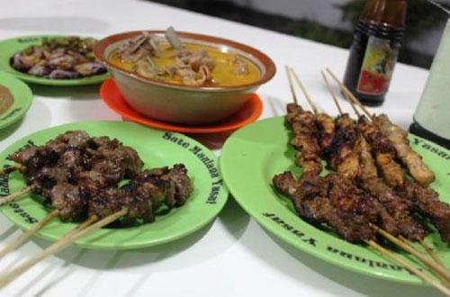 Ilustrasi Sate Maulana Yusuf, salah satu tempat wisata kuliner di Bandung yang murah meriah dan enak rasanya (foto : infounik.org)