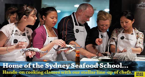 Ilustrasi pelajar sedang praktek memasak seafood di Sydney Seafood School, Australia (foto : sydneyfishmarket.com.au)
