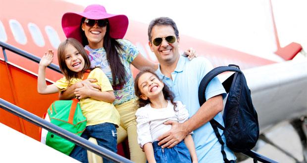 Ilustrasi liburan bersama keluarga yang membutuhkan tips wisata agar lancar dan menyenangkan (foto : youmustbetrippin.com)
