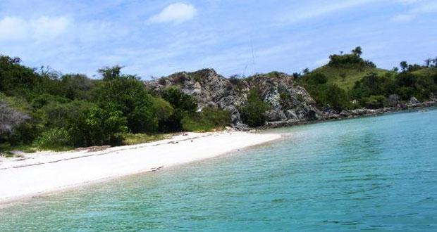 Pulau Bidadari, tempat wisata di Kepulauan Seribu favorit wisatawan (foto : dutapulauseribu.com)