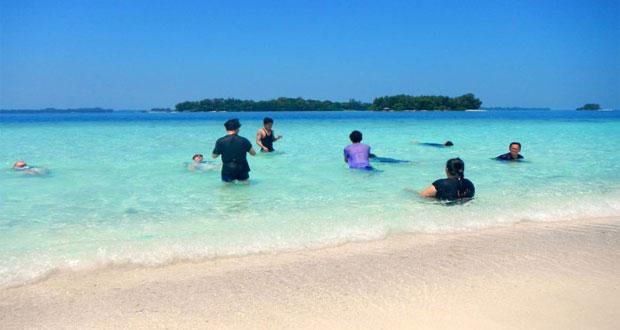 Pulau Harapan, tempat wisata di Kepulauan Seribu favorit wisatawan (foto : dutapulauseribu.com)