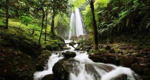 Air Terjun Jumog adalah salah satu tempat wisata alam di Solo dan sekitarnya (Foto : tempatwisatamu.com)
