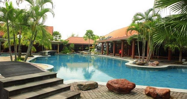 Banyu Mili Contry Club adalah salah satu tempat wisata kuliner di Jogja yang wajib dikunjungi (Foto : yukpegi.com)