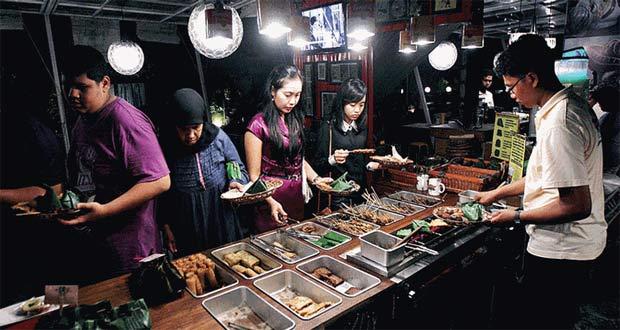 Cafe Tiga Tjeret adalah salah satu tempat wisata kuliner di Solo yang enak, murah, dan wajib dikunjungi (Foto : travel.kompas.com)