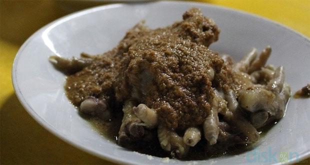 Gudeg Ceker Sedep Raos Seturan adalah salah satu gudeg Jogja paling enak dan terkenal (Foto : makanjogja.com)