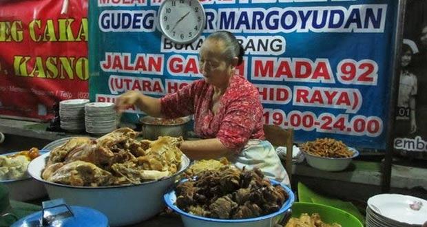Gudeg Margoyudan adalah salah satu tempat wisata kuliner di Solo yang enak, murah, dan wajib dikunjungi (Foto : rinehartvideoproductions.blogspot.com)
