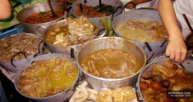 Gudeg Permata Bu Pujo adalah salah satu gudeg Jogja paling enak dan terkenal (Foto : kotajogja.com)