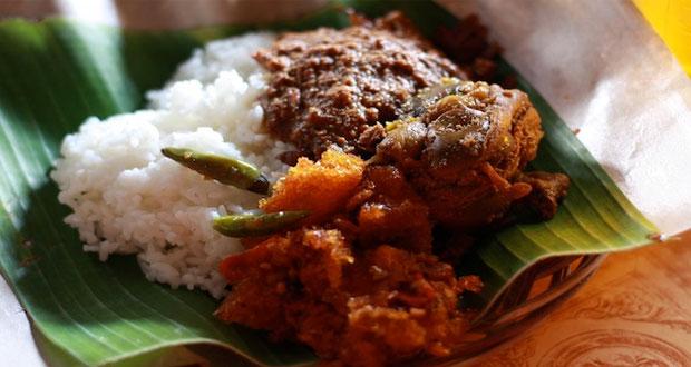 Gudeg Wijilan dan Barek adalah salah satu tempat wisata kuliner di Jogja yang wajib dikunjungi (Foto : Clara Rondonuwu, wego.co.id)