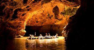 Kalisuci adalah salah satu tempat wisata alam di Jogja yang belum terjamah dan keren untuk Cave Tubing (Foto : telusurindonesia.com)
