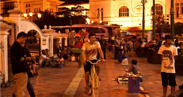 Nol Kilometer adalah salah satu tempat nongkrong di Jogja yang asyik dan enak (Foto : Hendra Wardhana, lifestyle.kompasiana.com)