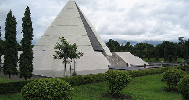Monumen Jogja Kembali (Monjali) adalah salah satu museum di Jogja yang wajib dikunjungi (Foto : yogyakarta.panduanwisata.id)
