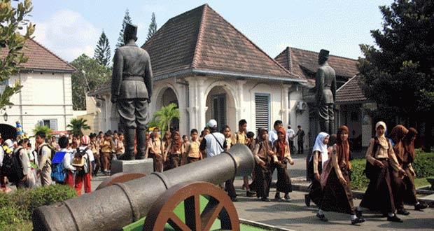 37 Tempat Wisata Menarik Dan Hits Di Jogja Yang Dekat Malioboro Aneka Wisata