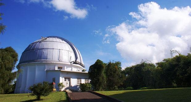 Observatorium Bosscha adalah salah satu tempat wisata di Lembang yang paling populer (Foto : travelblog.ticktab.com)