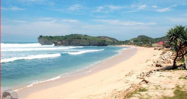 Pantai Krakal adalah salah satu pantai di Gunung Kidul Jogja yang wajib dikunjungi dengan pesona alam yang bagus, indah, dan keren (Foto : blog.maleber.net)