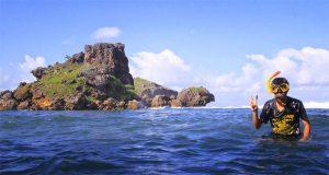 Ilustrasi Pantai Nglambor atau Lambor Gunung Kidul, salah satu pantai di Jogja untuk snorkeling (Foto : spadepicnic.wordpress.com)