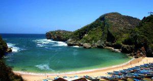 Pantai Ngrenehan adalah salah satu pantai di Gunung Kidul Jogja yang wajib dikunjungi dengan pesona alam yang bagus, indah, dan keren (Foto : wisata-pantaindonesia.blogspot.com)