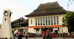 Pasar Gede adalah salah satu tempat wisata di Solo yang wajib dikunjungi (Foto : kotawisataindonesia.com)