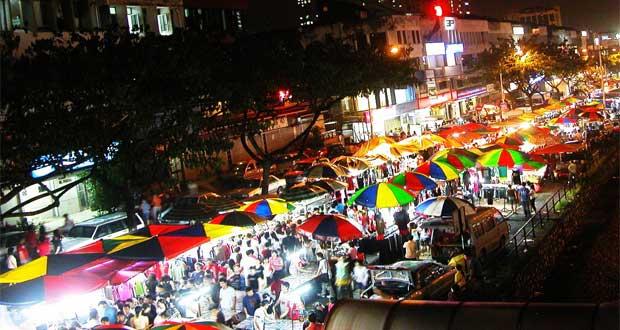 Pasar Malam Ngarsopuro adalah salah satu tempat wisata kuliner di Solo yang enak, murah, dan wajib dikunjungi (Foto : klikhotel.com)