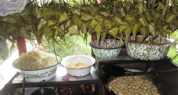 """Tahu Kupat """"SARI"""" Pak Brewok adalah salah satu tempat wisata kuliner di Solo yang enak, murah, dan wajib dikunjungi (Foto : facebook.com)"""