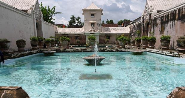 Taman Sari Yogyakarta adalah salah satu tempat wisata di Jogja dekat Malioboro (Foto : swaragamafm.com)