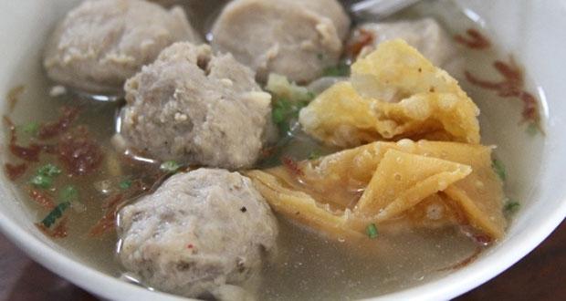 Bakso Alex adalah salah satu tempat wisata kuliner di Solo yang enak, murah, dan wajib dikunjungi (Foto : infomakan.com)