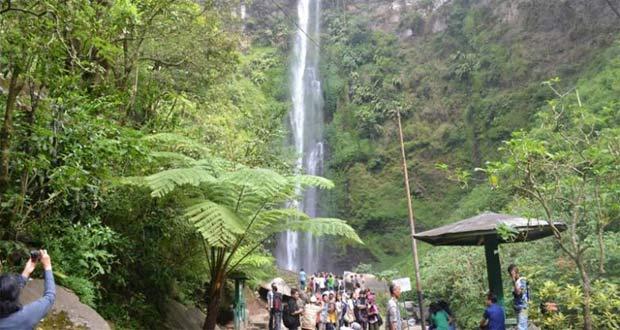 Coban Rondo adalah salah satu tempat wisata di Malang favorit wisatawan (Foto : travel.kompas.com)