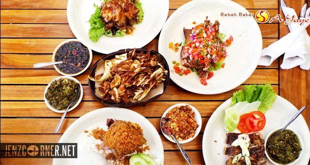 Bebek A Yayo adalah salah satu tempat makan enak di Bandung untuk buka puasa yang pas bagi Anda penggemar olahan daging bebek (Foto : jenzcorner.net)