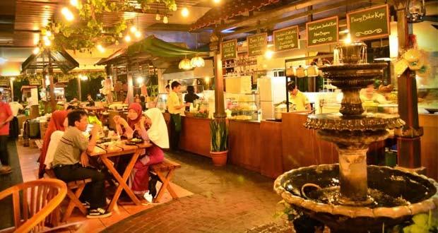 The KiosK Food Market adalah salah satu tempat makan enak di Bandung untuk buka puasa (thekioskfoodmarket.blogspot.com)