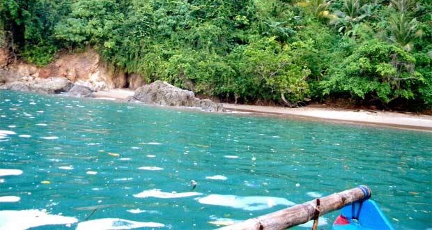 Pantai Bolu-Bolu adalah salah satu pantai di Malang yang wajib dikunjungi (Foto : samid27.blogspot.com)