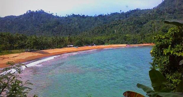 Pantai Wediawu adalah salah satu pantai di Malang yang wajib dikunjungi (Foto : nulspounya456789.blogspot.com)